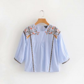 Floral Embroidery Top