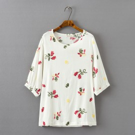 LM+ Floral Embroidery Blouse