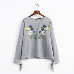 Floral Embroidered Blouse (2 Color)